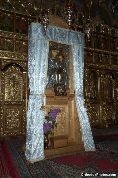 Inside the Church of the Petru Voda Monastery, Iasi, Romania (6)