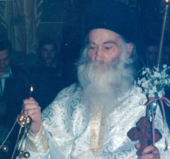 Fr. Iustin during Divine Liturgy (14)