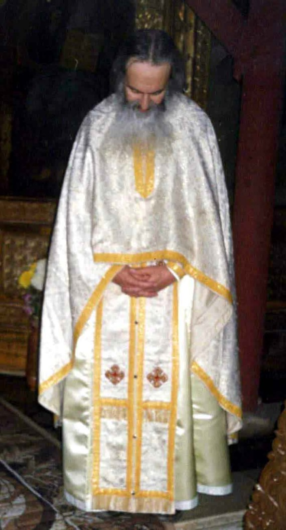 Fr. Rafail during the Divine Liturgy - St. Nicholas Church, Bucharest, 2002 (2)