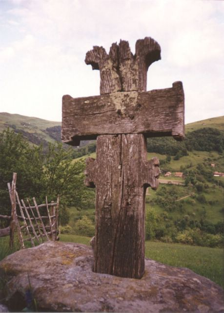 Wooden Cross - 'Valea Larga' village