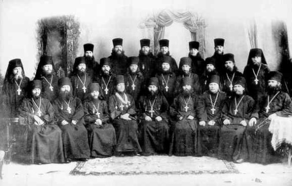 Group picture of russian fathers (2)